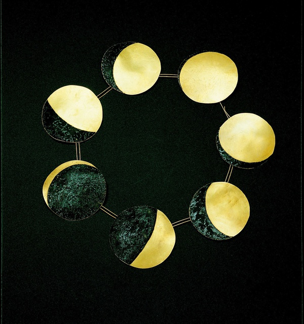 Bernhard Schobinger: Heavenly - Sun, Moon and Stars in Jewelry